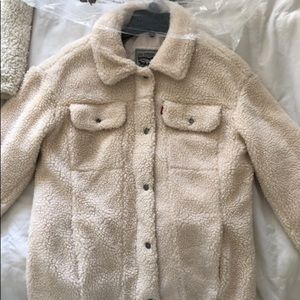 Woman's Levi's Sherpa jacket. New without tags